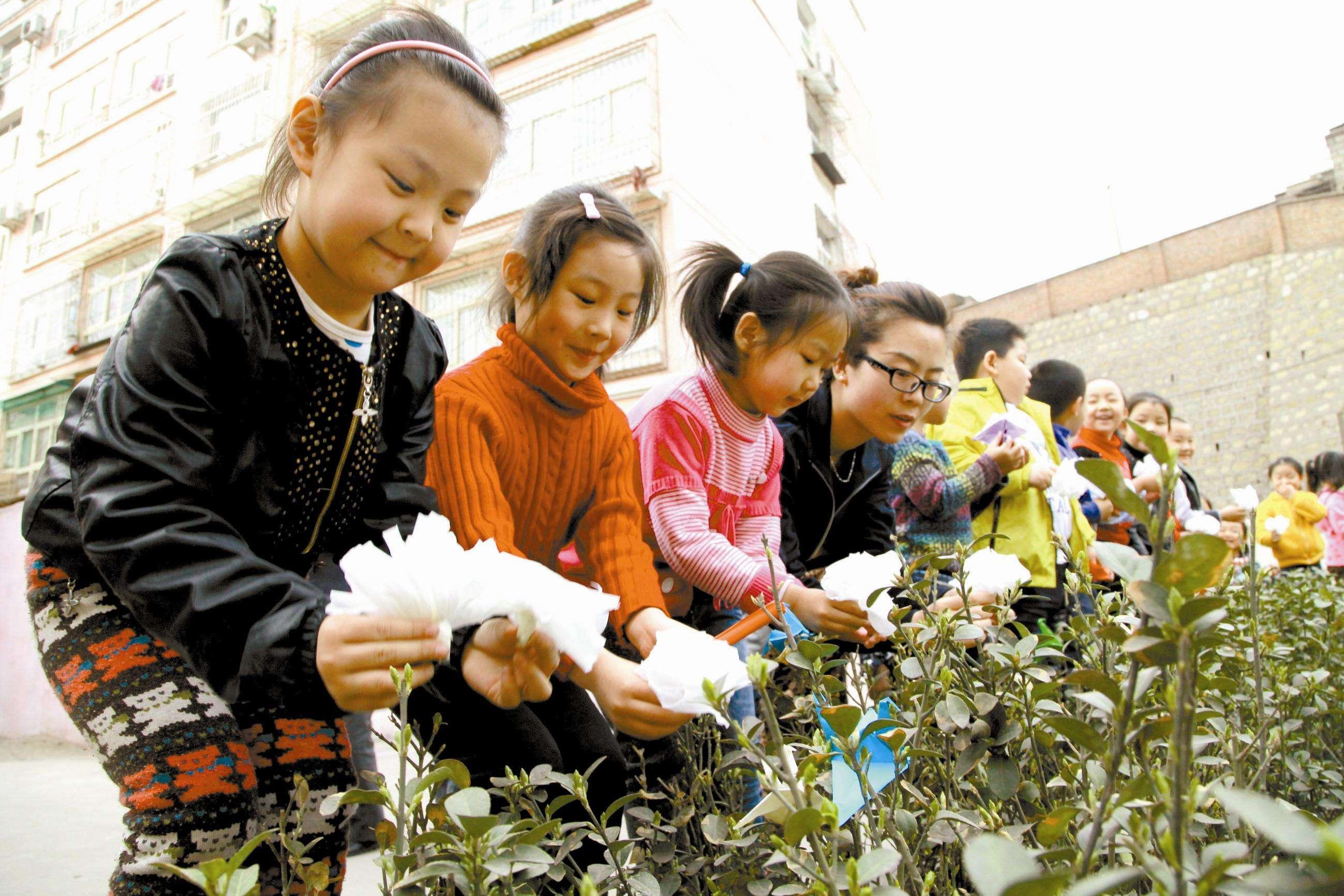 桐乡:52万人次清明节扫墓 文明祭扫已蔚然成风