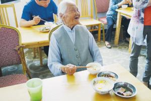 """上虞这个老年人餐厅运营4年多 """"幸福""""名副其实"""