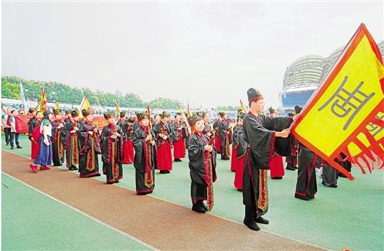 杭城校园运动会开幕式新意迭出 传统文化融进入场秀