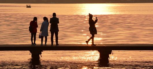 阳光归来 西湖晴冷