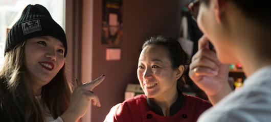 杭州有家餐厅很特别 点餐交流靠手语