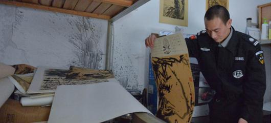 有梦想了不起 坚持画画30多年的保安想在杭州办画展