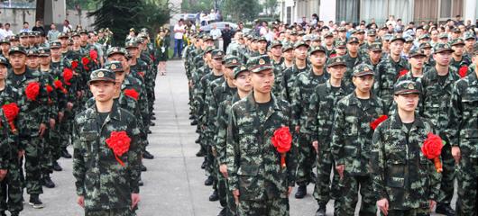 杭州举行新兵欢送仪式 大学生比例创新高
