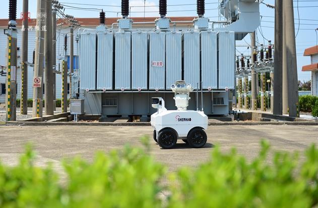 高科技!海宁电力巡检用上智能机器人