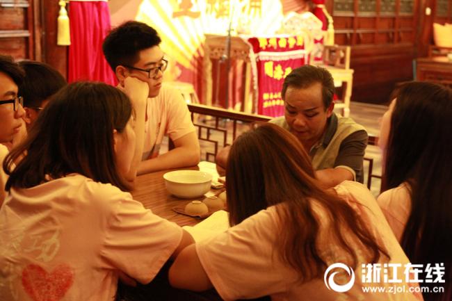 宁波大学生运用专业知识助力乡村振兴 获村支书点赞