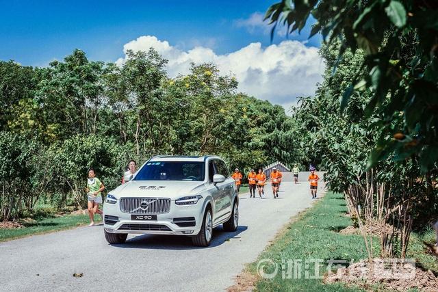 03_沃尔沃旗舰级SUV XC90作为赛事领跑车.JPG