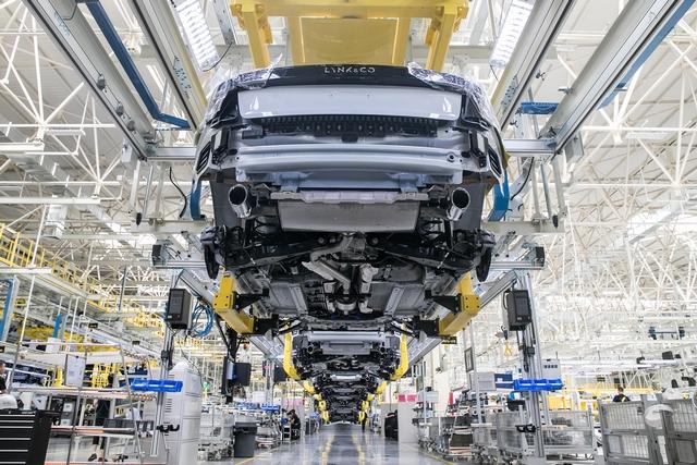 15.领克汽车张家口工厂在智能化、信息化、柔性化、自动化程度以及绿色环保理念方面均达到国际领先水平。(1).JPG