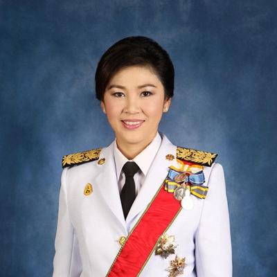 """英拉·西那瓦:从被告席""""消失""""的泰国首位女总理"""