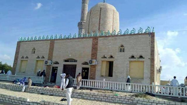 埃及一座清真寺发生恐袭 已造成400多人死伤