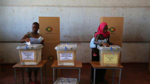 津巴布韦举行大选