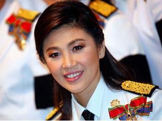 """泰国防长:英拉乘车从一处军事检查站""""逃离"""""""