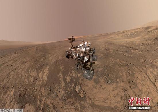 """资料图:""""好奇""""号火星探测器在火星维拉鲁宾岭的""""自拍照""""。"""