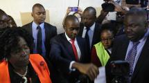 津巴布韦大选 民革运主席查米萨发推宣布胜选
