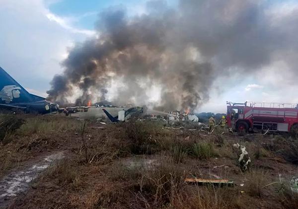 墨西哥坠落客机无人死亡 初步报告机上无中国公民