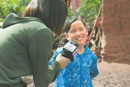 为总书记长大的10岁小女孩:梦想唱歌后当一名v梦想搭配女生图片