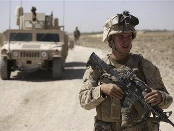 """特朗普将公布""""完整南亚战略"""" 并向阿富汗增兵4000人"""
