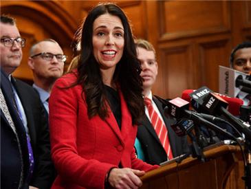 """新西兰""""80后""""女总理横空出世 女政要越来越多,她们强在哪儿"""