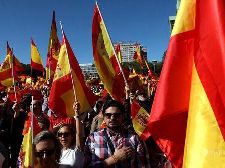 """西班牙加区上演""""独立""""闹剧 搬起石头砸自己的脚"""