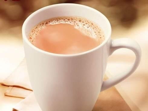 奶茶背后的真相:一杯平均含7块方糖 全都检出咖啡因