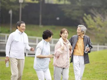 """""""抱团养老""""让生活更美好?这种模式也存在风险和漏洞"""