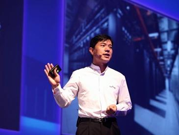 中国互联网企业家的第一次!百度李彦宏登上《时代周刊》封面