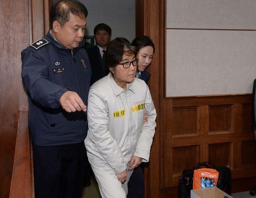崔顺实今被判20年有期徒刑 朴槿惠命运将何去何从