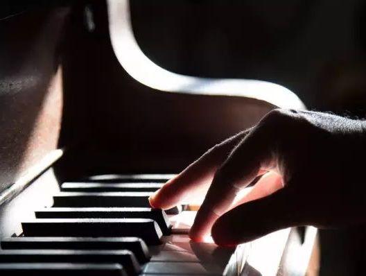 高大上的钢琴培训藏猫腻 比赛沦为赚钱工具
