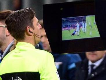 当足球比赛引入VAR技术 如何保证公平也留住激情?