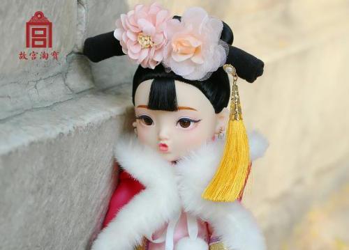 """故宫文创太有才了 推出""""俏格格娃娃""""卖599销量过百"""