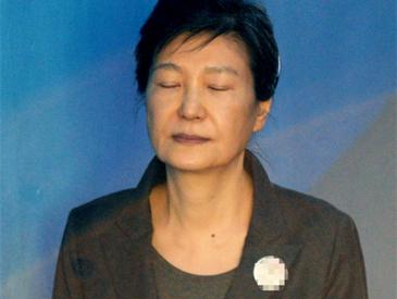 """妹夫竞选市长称""""会让姐姐无罪释放"""" 获刑24年的朴槿惠本人却放弃了上诉"""