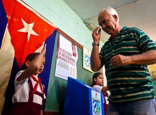 """古巴将选出新一任国家领导人 """"卡斯特罗时代""""成过去式"""