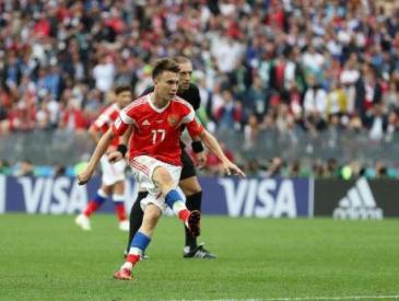一战成名!世界杯揭幕战上这个22岁的俄罗斯小伙火了