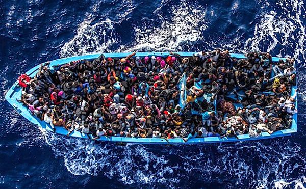 意大利拒绝两艘难民船靠港 难民犯罪频发挑战民众的容忍度