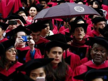 """有一种税叫""""亚裔税"""" 哈佛大学被控招生政策歧视亚裔学生"""