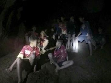 生命奇迹!失踪10天的泰国少年足球队13人全部平安存活