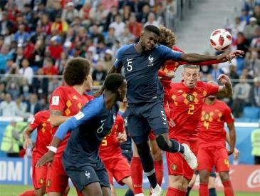 """十二年后法国进世界杯决赛 之前没进""""都怪""""本泽马?"""
