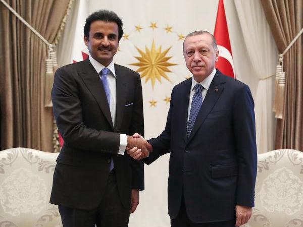 土耳其崩盘之际 这个国家突然伸出援手