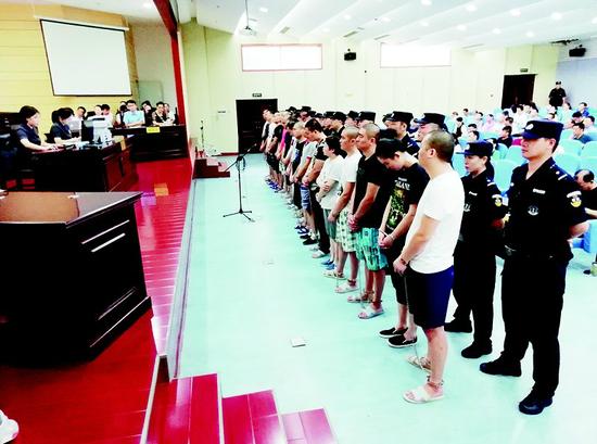 武汉警方铲除最黑黑中介 全国首判为黑社会组织