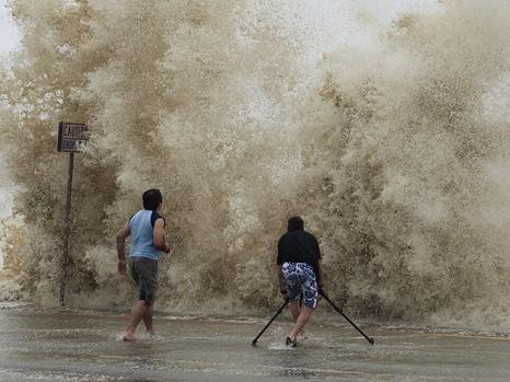 超级飓风来袭!美国东海岸将紧急转移150多万人