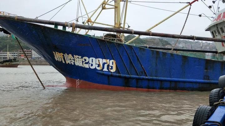 浙报关注|货轮东海沉没,台州渔船放弃作业救起全部船员