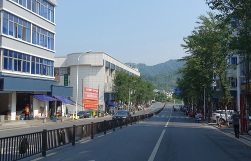干净整洁的街道.JPG