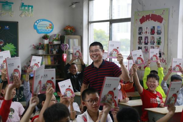 龙游县档案局开展档案宣传进学校活动