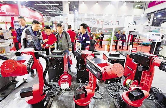 """以""""塑""""会友 中国塑交会海外采购商人数较去年增超230%"""