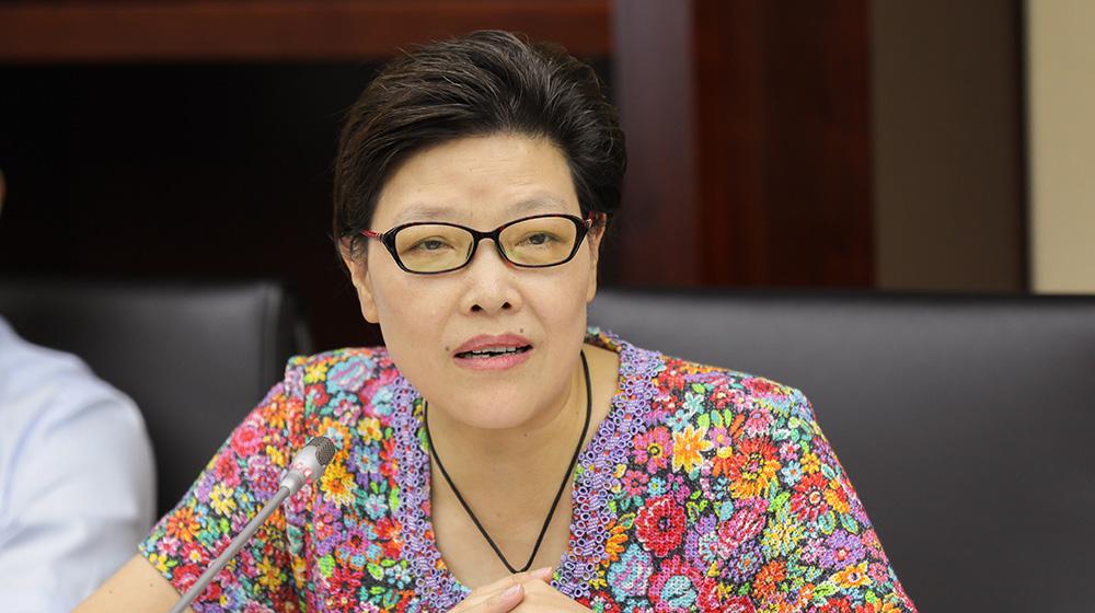 7月23日,省政协常委、社法委副主任刘净非在杭州召开的协办调研座谈会上发言