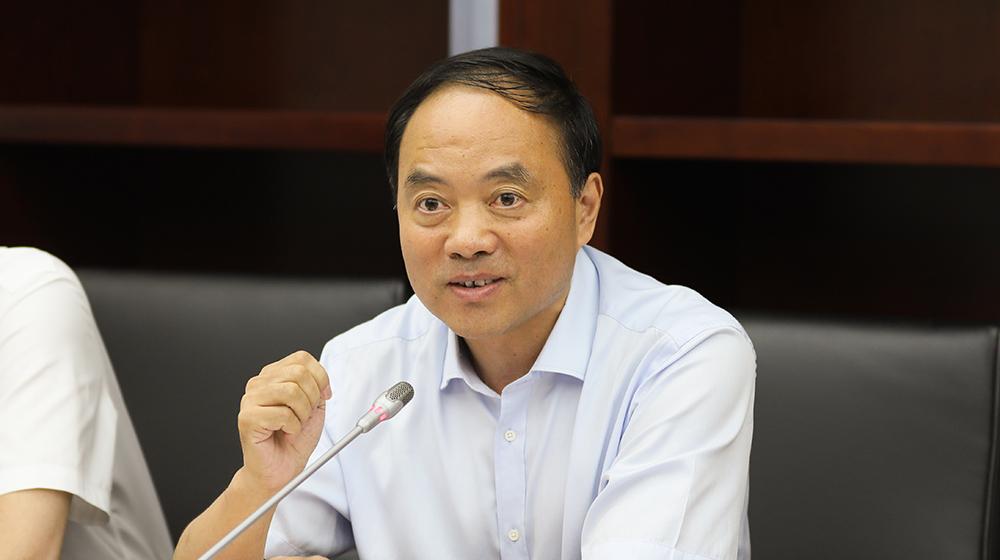 7月23日,省教育厅副巡视员方天禄在杭州召开的协办调研座谈会上发言