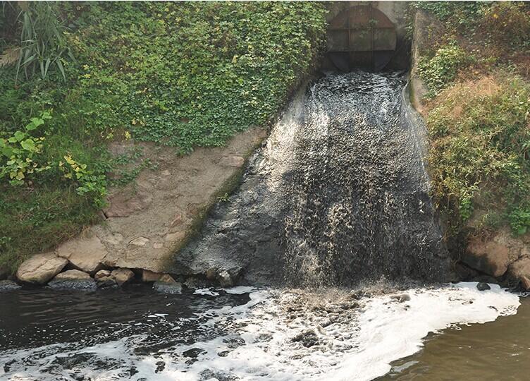 环保现场第十四期:金华兰溪:污水处理厂超负荷致污水流入兰江
