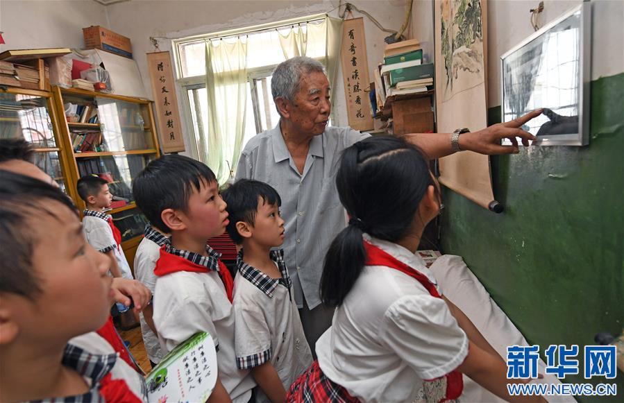 江西南昌:聆听红色故事 感悟革命精神