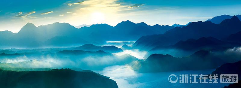 中国天姥山(日出).jpg