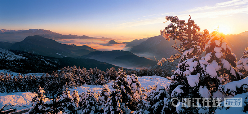 天姥山日出雪景.jpg