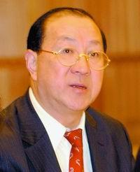 金人庆:中国在地区、国际经济事务中不可或缺